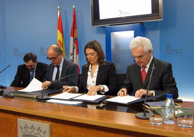 Nieto (segundo por la izquierda),, Marcos y Varela