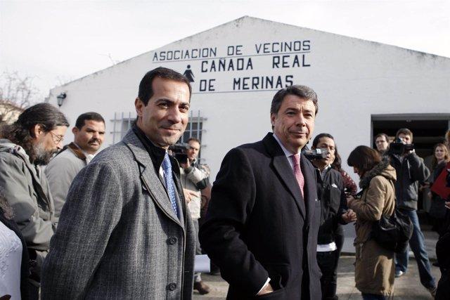 González y Victoria con los vecinos de la Cañada Real