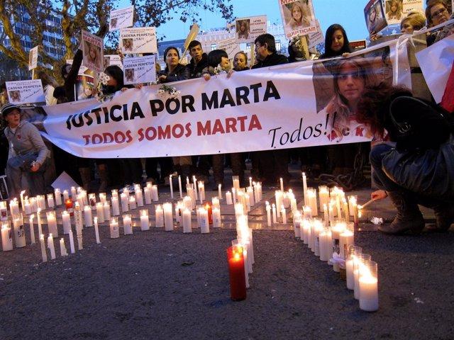 Durante La Concentración Para Pedir Justicia En El Caso Marta Del Castillo