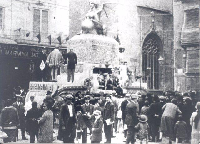 Cultura y Ayuntamiento quieren recuperar imágenes antiguas de Fallas