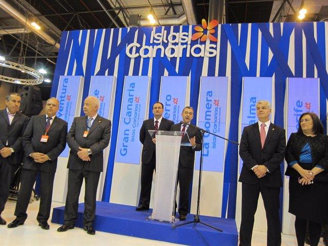 Paulino Rivero con presidentes cabildos canarios en Fitur