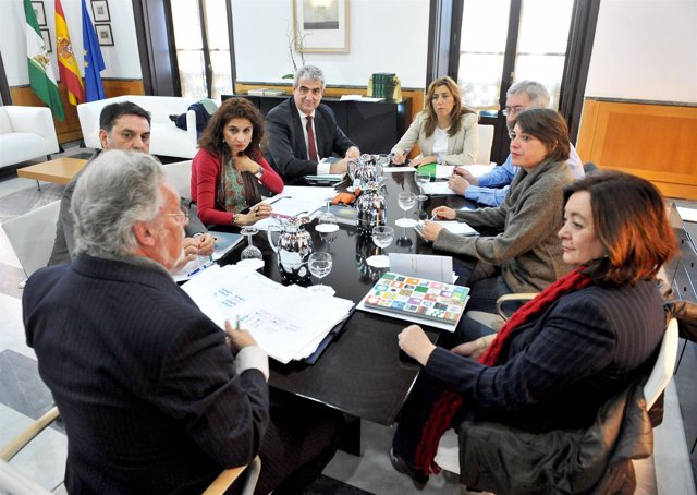 Reunión En San Telmo Sobre Actuaciones En El Polígono Sur De Sevilla.