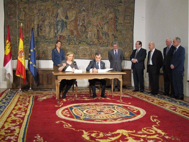 Cospedal preside la firma del convenio