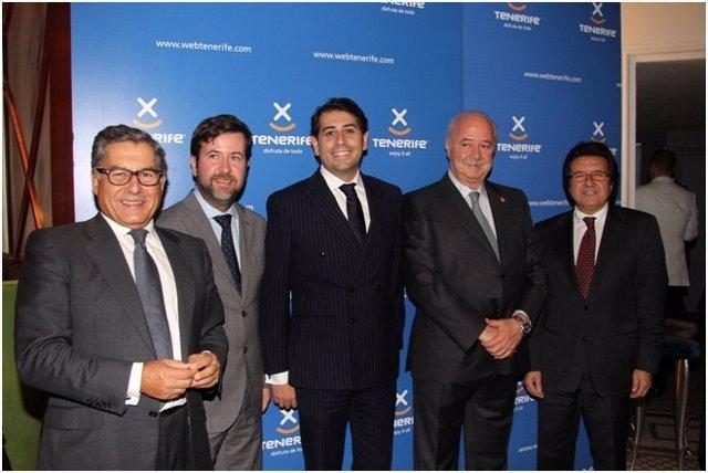 Representantes del Cabildo y Globalia