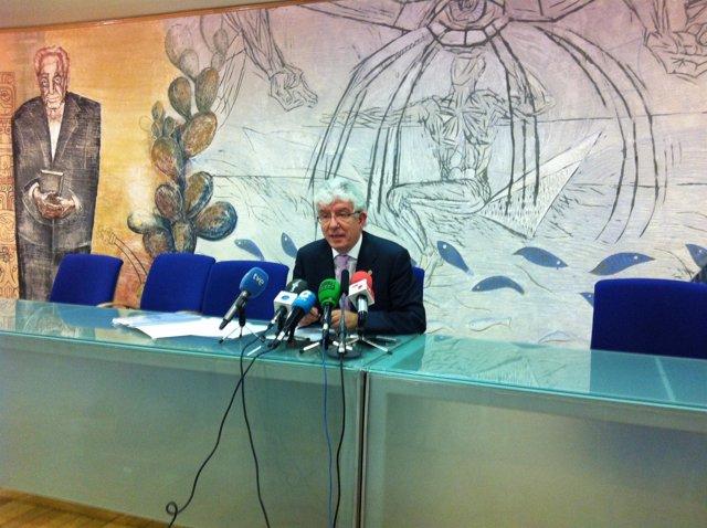 El rector de la ULE, José Ángel Hermida,