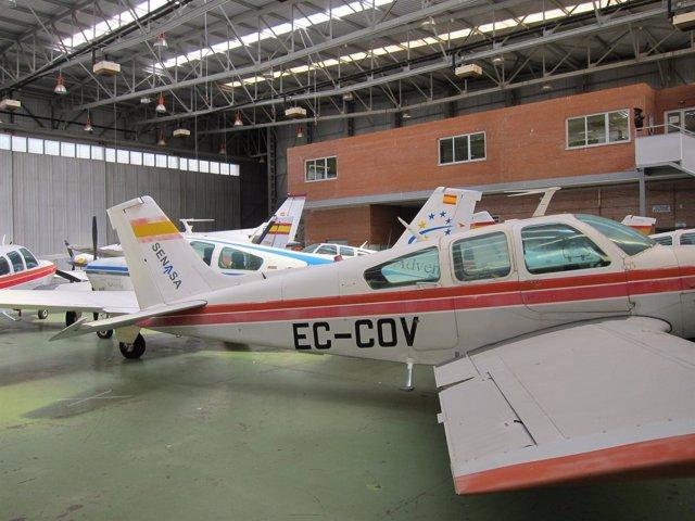 Aviones en el aeropuerto de Matacán (Salamanca)