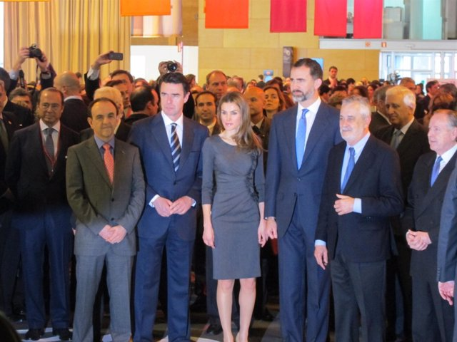 Los Príncipes de Asturias visitan el pabellón de Andalucía