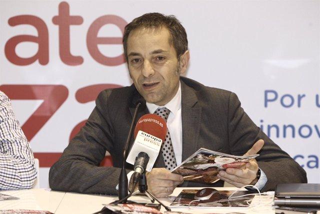 El consejero de turismo de Navarra, Juan Luis Sánchez, en FITUR