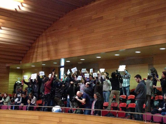 Desalojo en el Parlamento de Galicia