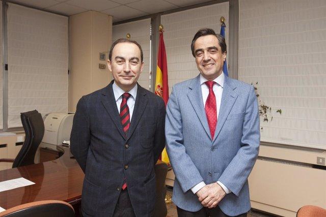El consejero de Educacion, Cultura y Deporte con el alcalde de Torrelavega