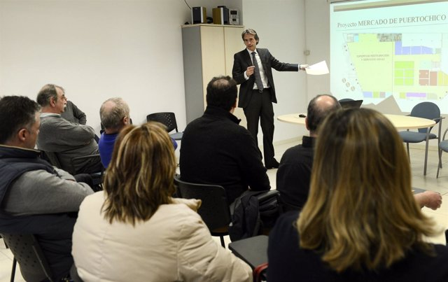 Reunión entre Ayuntamiento de Santander y comerciantes de Puertochico