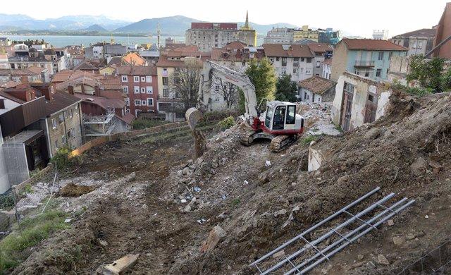 Derribo de tres inmuebles de San Juan de Dios y Travesía de África, en Santander