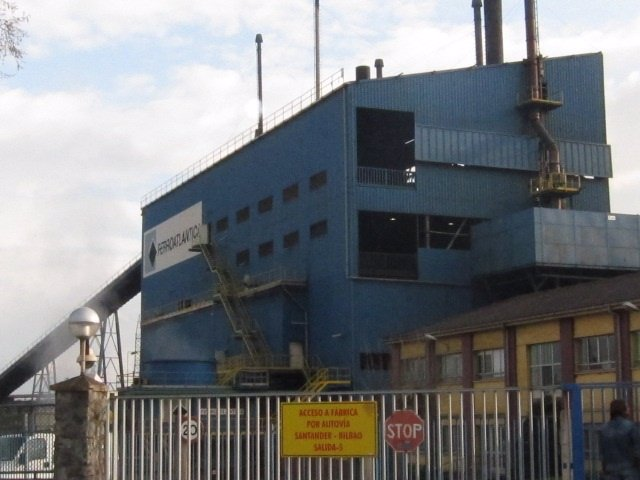 Ferroatlántica, Industria