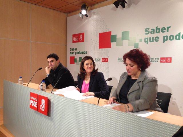 Soraya Rodríguez junto a Mario Jiménez y Teresa Jiménez en Granada