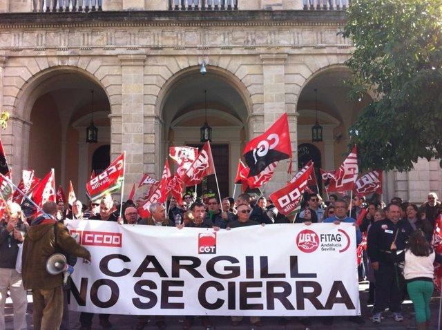 Trabajadores de Cargill se concentran en Sevilla.