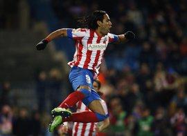 Fútbol.- Falcao se entrena con el grupo y jugará contra el Betis