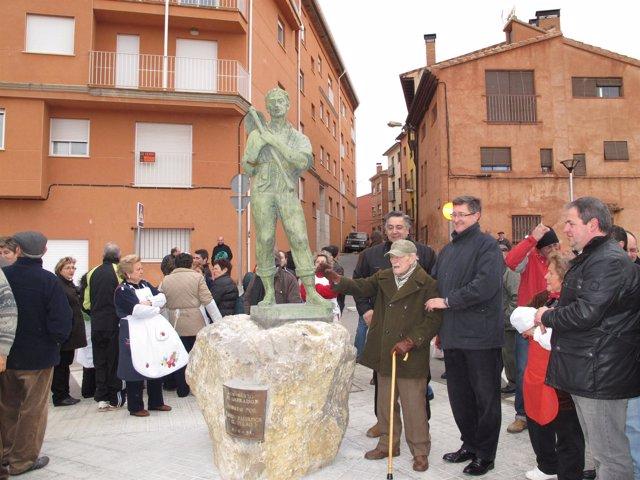 Monumento al Labrador en el barrio del Arrabal de Teruel