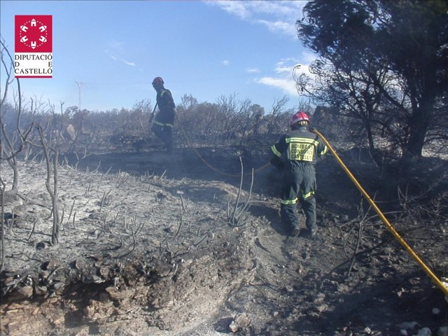 Imagen del incendio declarado en Tirig