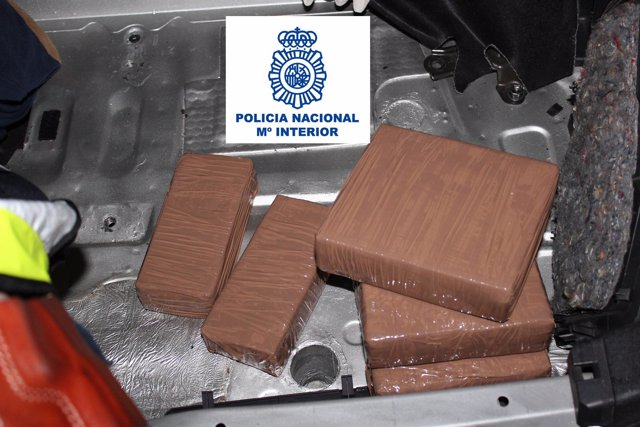 Droga intervenida a tres detenidos que traficaban entre Cataluña y Galicia