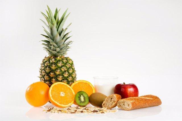 Fruta Y Pan Integral