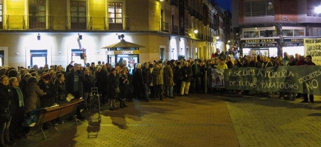 Concentración en contra de la LOMCE junto al García Quintana