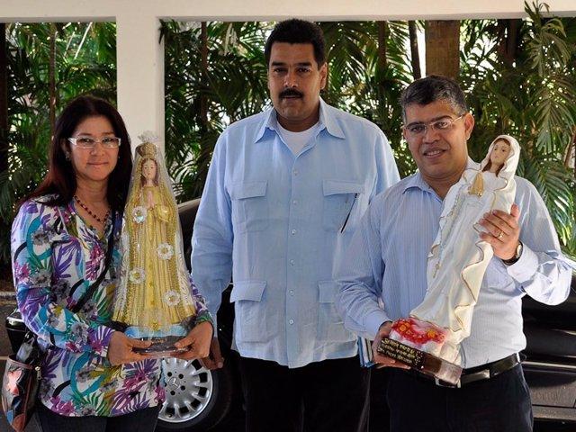Miembros del Gobierno de Venezuela a su llegada a La Habana.