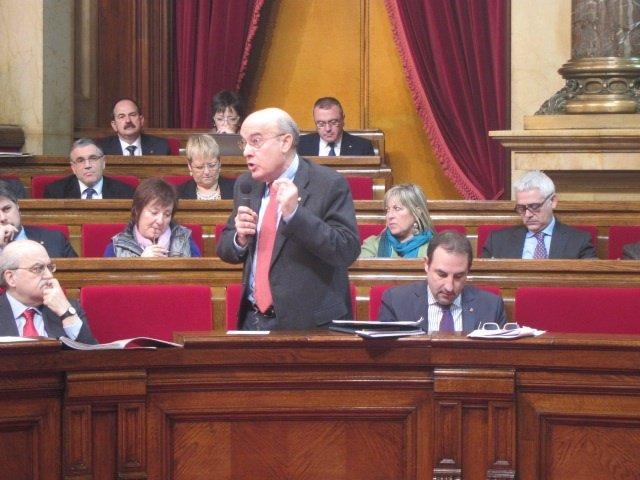 El conseller de Salud, Boi Ruiz, en el pleno del Parlament