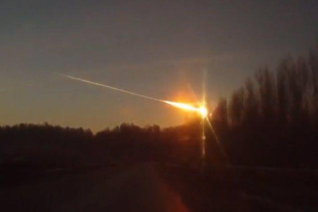 Un meteorito provoca cientos de heridos en Rusia