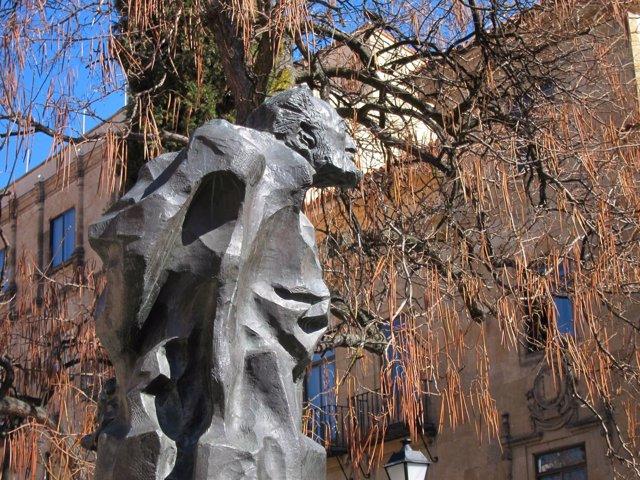 Escultura de Miguel de Unamuno en Salamanca