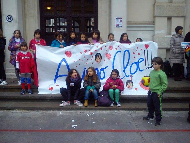 Alumnos de la escuela apoyan a Cloe