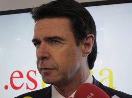 Soria espera más buenas noticias en el sector del automóvil a corto plazo