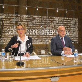 """La vicepresidenta extremeña insta a Vara a decir """"lo que sabe"""" y dar el nombre de empresa sobre la que llamó Urdangarín"""