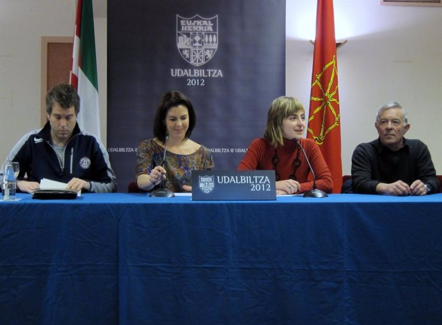 Rueda de prensa de Udalbiltza.