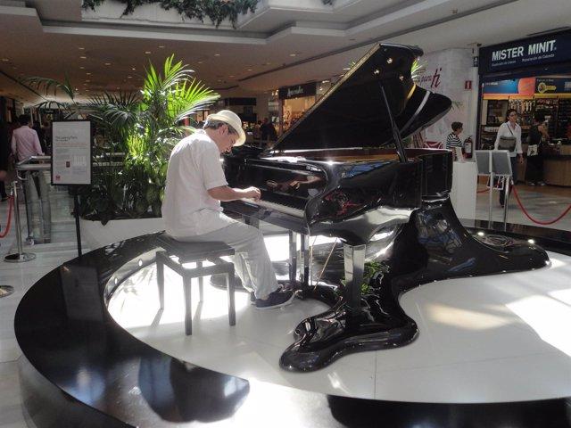 Kike Jambalaya en el Leaking Piano de La Vaguada