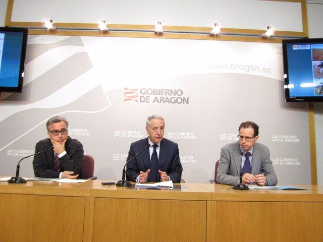 Javier Rincón, Modesto Lobón y Jesús Nogués en la rueda de prensa este martes
