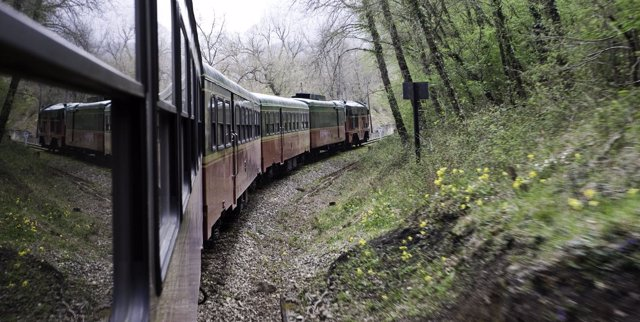 Tren que realiza el recorrido Bilbao-La Robla