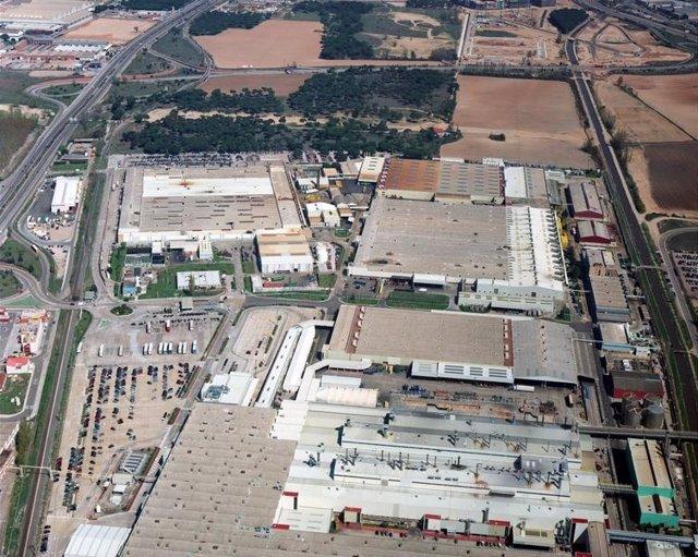 Imagen Aérea De Las Factorías De Renault En Valladolid
