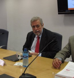 El secretario de Estado de Administraciones Públicas, Antonio Beteta, en Sevilla