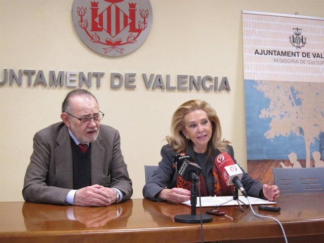 Mayrén Beneyto junto a Boado presentando la feria del libro