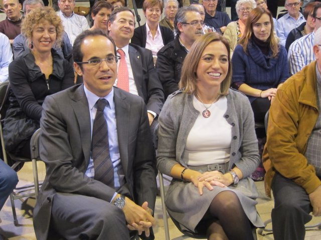 Carme Chacón Y Francesc Vallès (PSC) En Reus