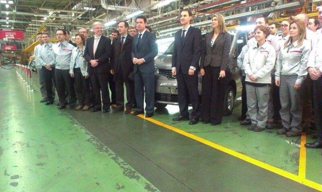 Jordi Cornet (CZB), ministro J.M.Soria, F.Torres (Nissan), L.De Luna (deleg.Gob)