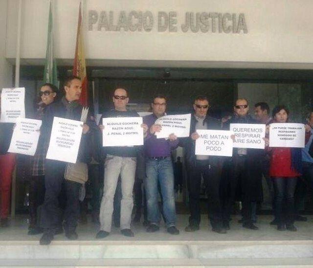 Protesta en los juzgados de Motril (GRAnada)