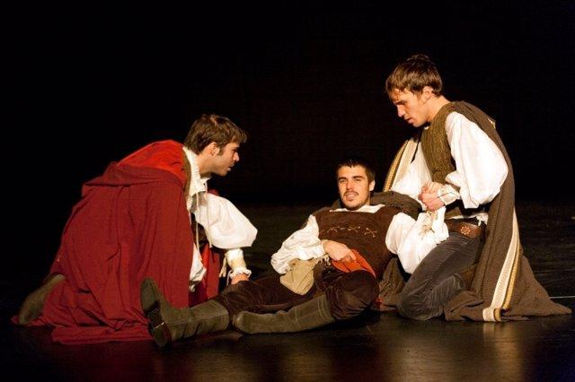 Una de las escenas de la obra de teatro 'Romeo'.