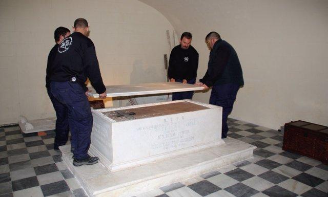 Exhumación del diputado doceañista Ramón de Power y Giralt