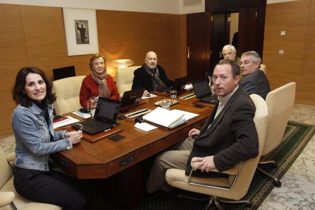 Reunión de la mesa del parlamento vasco