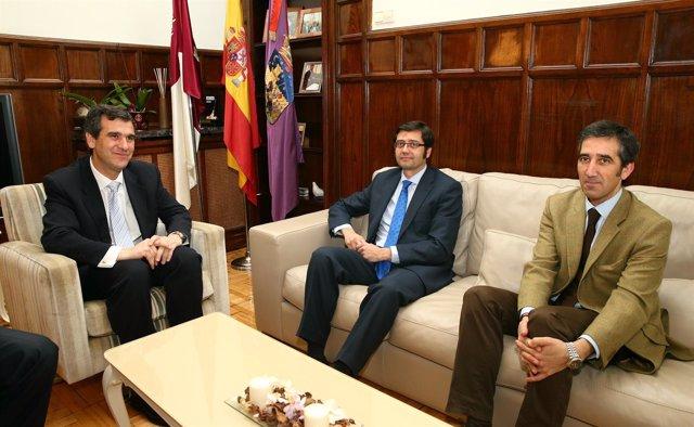 Romaní se reune con el alcalde de Guadalajara