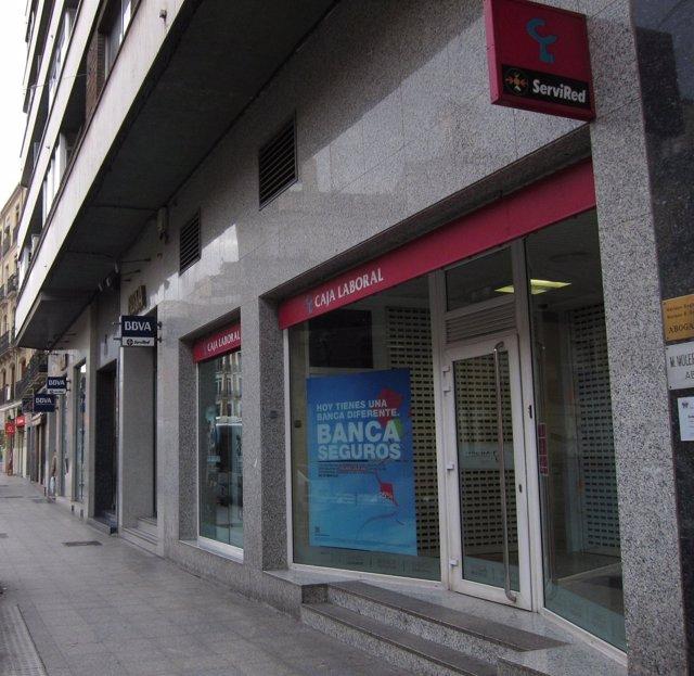 Oficina de Caja Laboral en Valladolid en la que se produjo un atraco este martes