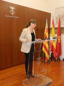 La alcaldesa de Alzira, Elena Bastidas