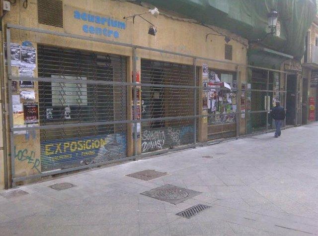 Bajo en desuso en el centro de Murcia