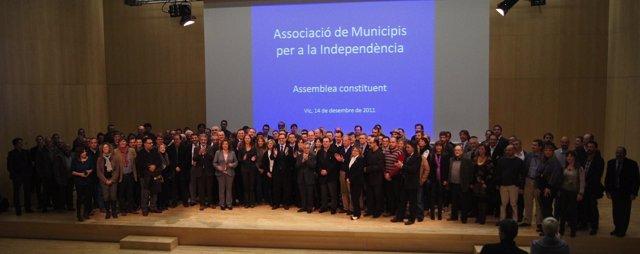 Alcaldes Y Concejales Catalanes En La Primera Asamblea De La AMI